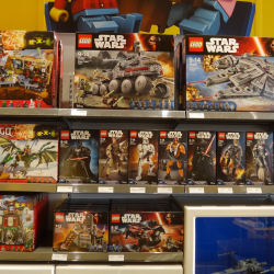 LCS Dreamworld - The Force Awakens buildable figures & vehicles