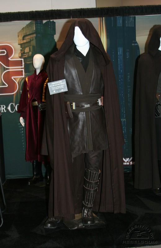 Anakin Skywalker 1/4 Premium Format ! - Page 6 IMG_5413