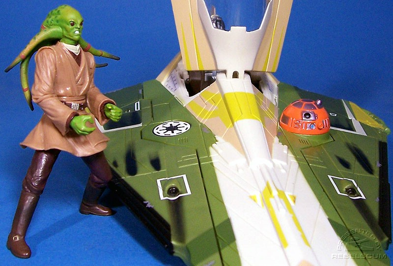 Will the SAGA Kit Fisto fit inside the cockpit