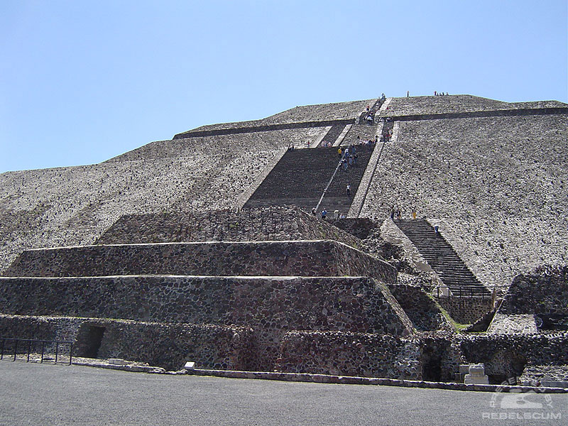 Ancient Massassi Temples on Yavin? Nope, it's the incredible city of Teotihuacan!