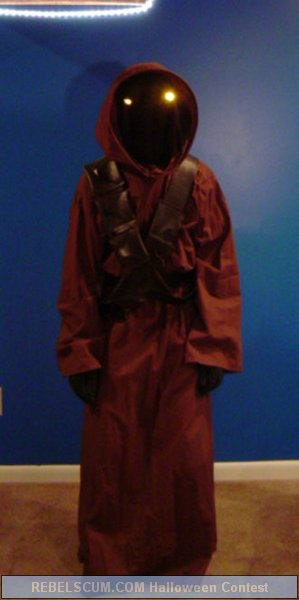 Jared Sloger as a Jawa