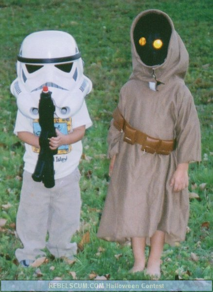 Jarrett and Sebastian as Bobble Head Stormtrooper and Jawa
