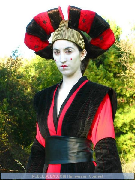 Katie Thomas as Amidala