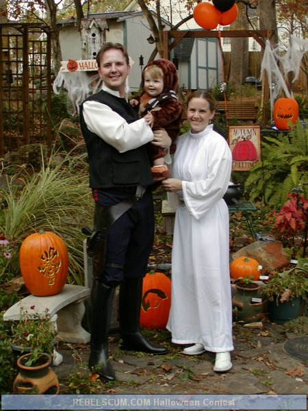 The Davenports as Han Solo, Princess Leia and Chewy