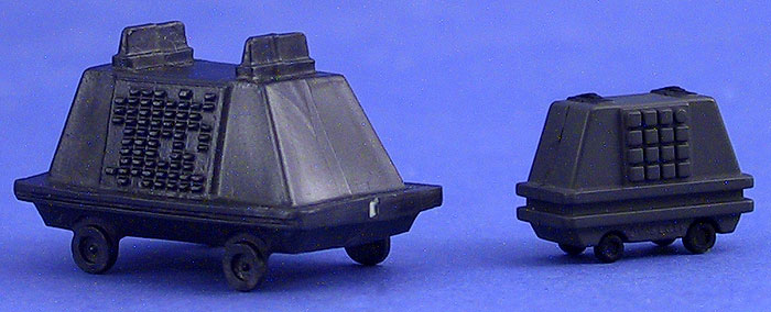 Comparison Photo: Mouse Droid (Kenner) | Mouse Droid (Galoob MicroMachines)