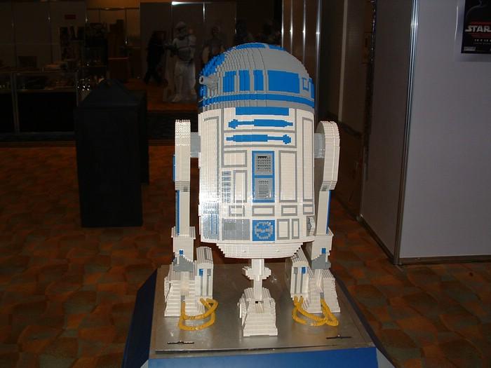 Giant LEGO R2-D2